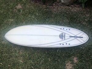 Mick Mackie Bonzer or 2 + 1 surfboard