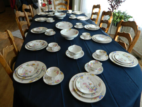 Rosenthal China Aida Style SunRay Set for 12  with 4 Serving Pieces          3-2