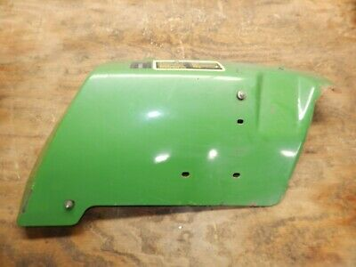 John Deere 650 Tractor- Left Fender Am876117