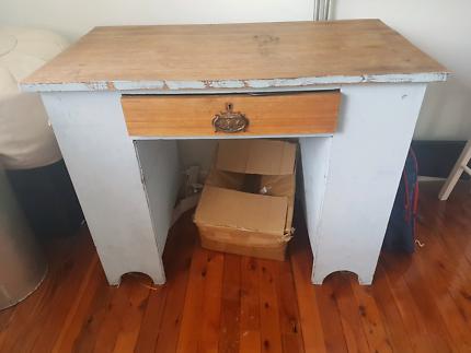 Shabby chic desk / table