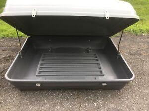Luggage carrier for roof of car