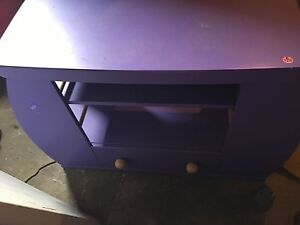 Kids table-entertainment stand?
