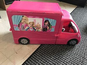 Barbie Deluxe unfolding Camper RV + accessories