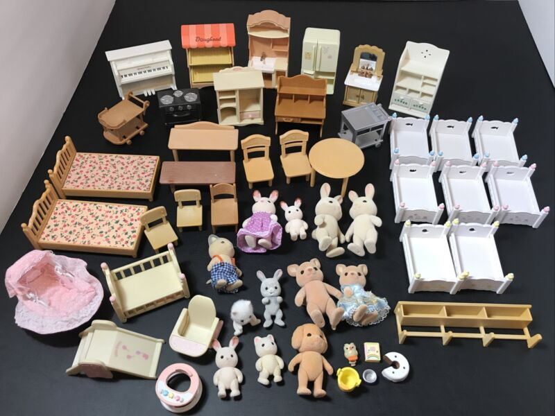 50pc Calico Critters Huge LOT Animals Families Babies Furniture Epoch