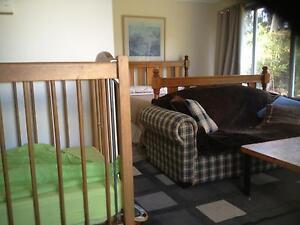 Single Bed. Lounge. Cot. Uralla Uralla Area Preview