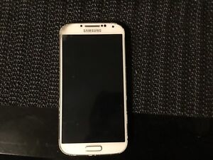 Samsung Galaxy S4 With Charger Case
