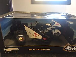 1:12 scale diecast limited edition batcycle
