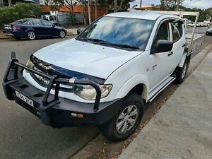 2012 Mitsubishi Triton Gl-r (4x4) well looked after.