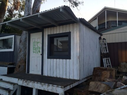 Free wooden cubby house Bateau Bay Wyong Area Preview