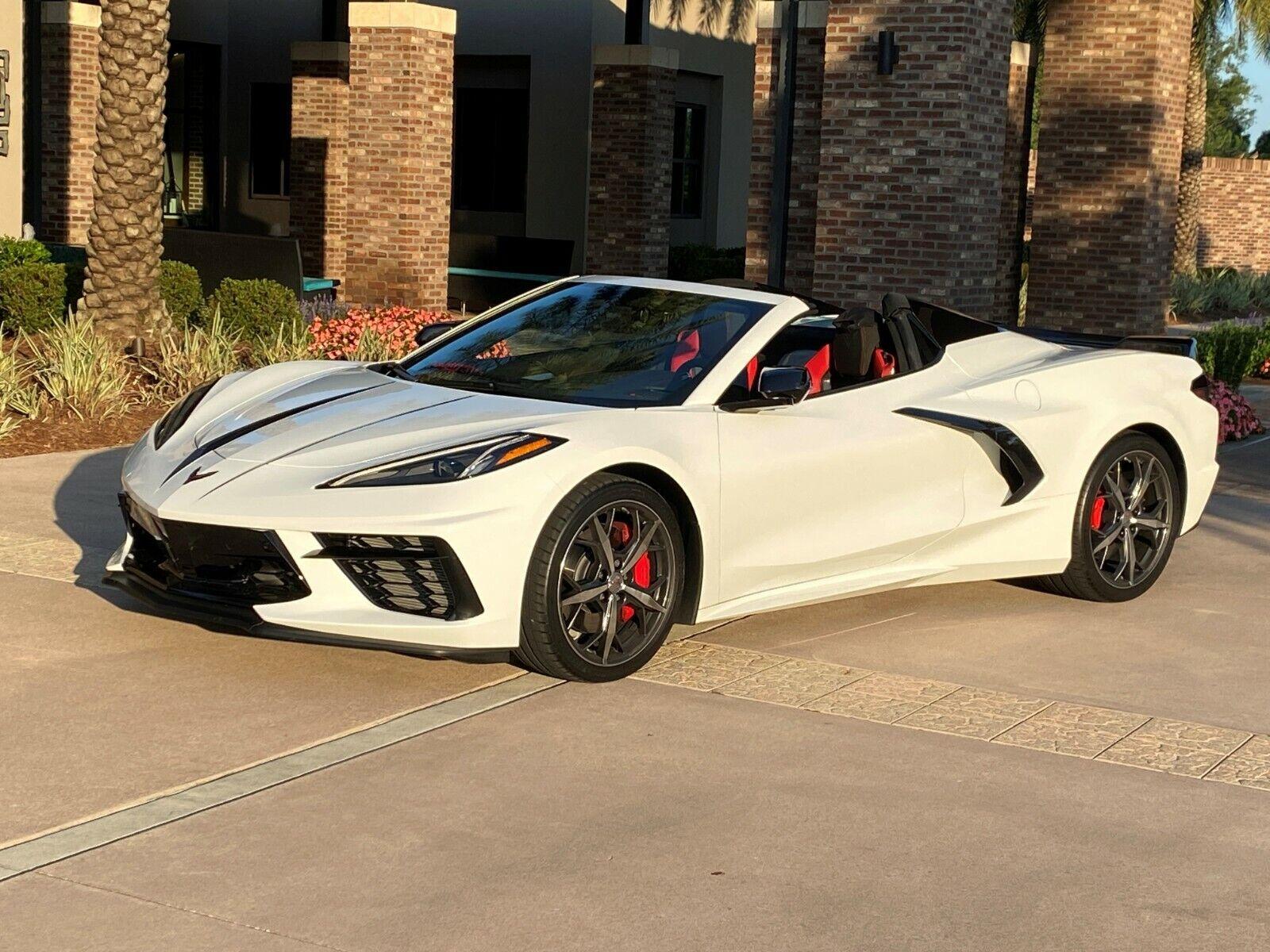2021 White Chevrolet Corvette     C7 Corvette Photo 1