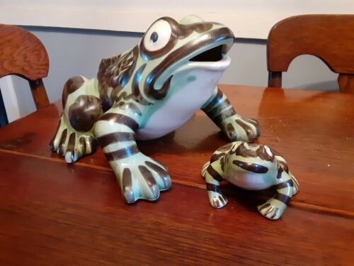 """BRUSH McCOY POTTERY 11"""" FROG & 4 1/2"""" FROG LAWN ORNAMENTS UNUSED CONDITION"""