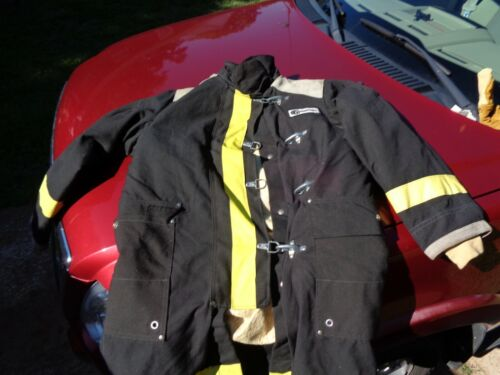 FIREFIGHTER CHIEFTAIN TURNOUT COAT VERY CLEAN CONDITION  MEDIUM