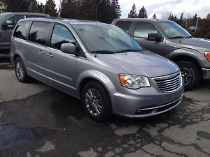 2015 Chrysler Town & Country Touring-L EX-RENTAL, OOP