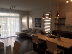 Condo Tous meublés Piscine,walk-in, garage À Louer Laval