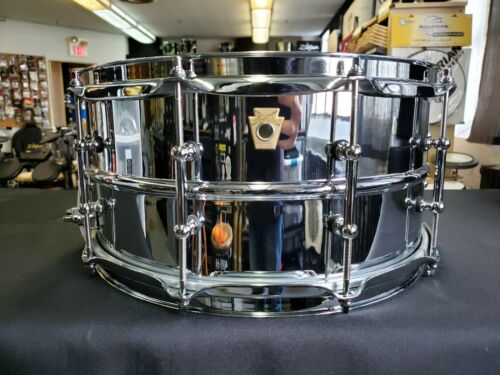 Ludwig LM402T 14 x 6.5 Supraphonic Snare Drum with Tube Lugs