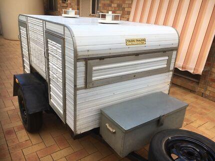 Dog trailer Toledo