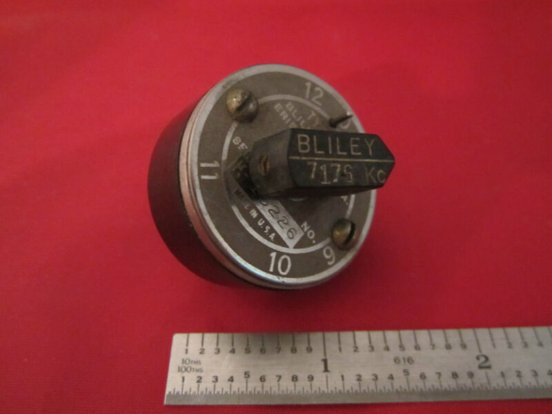 VINTAGE WWII BLILEY QUARTZ CRYSTAL VARIABLE FREQUENCY VF1 7176 KC