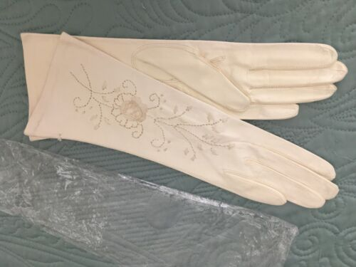 Vintage 6.5 Ivory Leather Embroidery Italy Womens Gloves NWOT