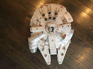 Star Wars Legacy Millennium Falcon