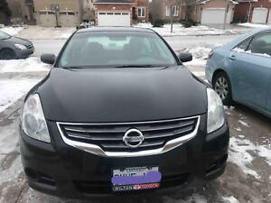 2010 Nissan Altima very clean