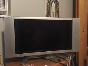 Television Sharp Aquos 32 pouces - 32 inches