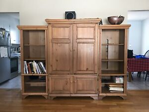 Entertainment Unit / book shelves