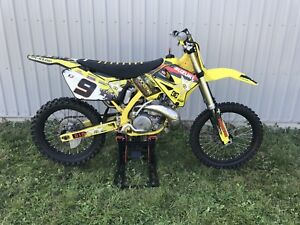 2003 RM250 Suzuki $3900 Jack and complete Fox gear incl