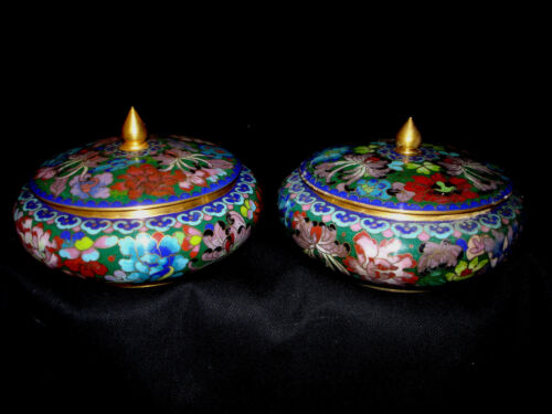 """5 1/8"""" D VINTAGE CHINESE CLOISONNE THOUSAND FLOWER PAIR COVER BOWL"""