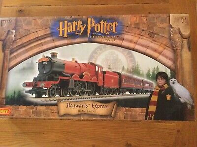 R1025 1st Edition Hornby Harry Potter And The Philosopher's Stone Train Set NEW