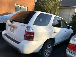 2006 Acura MDX selling for parts