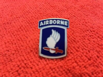 """173RD AIRBORNE """"SKY SOLDIERS"""" HAT/LAPEL PIN"""