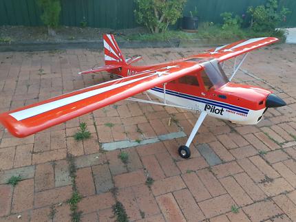"Pilot RC decathalon 50CC 107"""