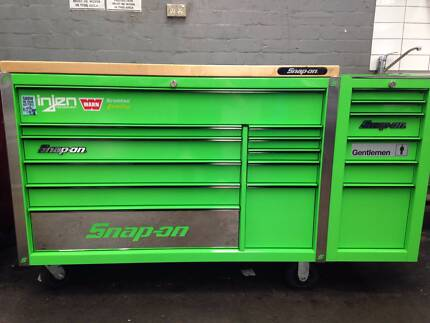 Extreme Green Classic Series Snap On Tool Box & Side Cab