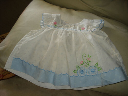 Vintage Baby Girls 3-6 Month White Dress Embroidered Flowers Ruffle Sleeves