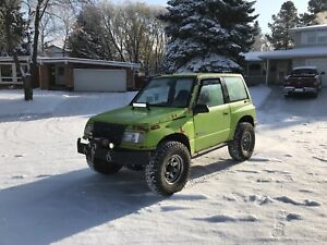 geo tracker buy or sell new used and salvaged cars trucks in canada kijiji classifieds. Black Bedroom Furniture Sets. Home Design Ideas