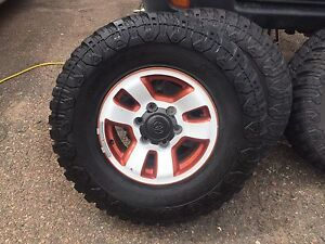 "31""x10.50xr15 tires and rims"