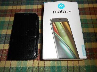 Motorola moto E3 smart phone.