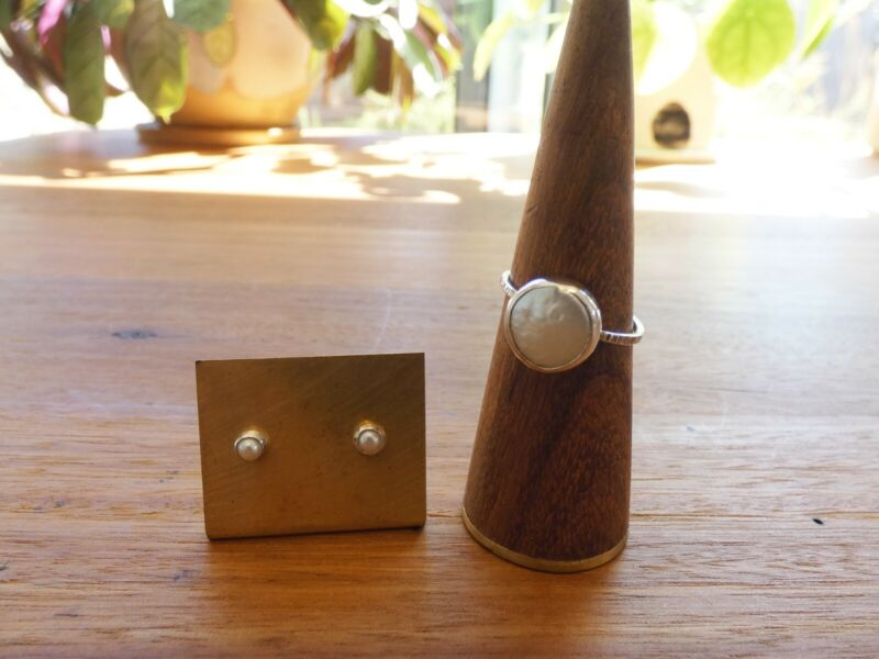 Sterling Silver Rho and Jo Freshwater Pearl Ring & Petit Maus Pearl Earrings