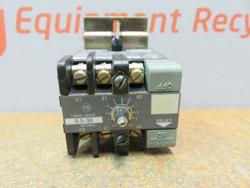Allen Bradley Solid State Timing Relay Range 0.5-30 Seconds Series G 852S New.