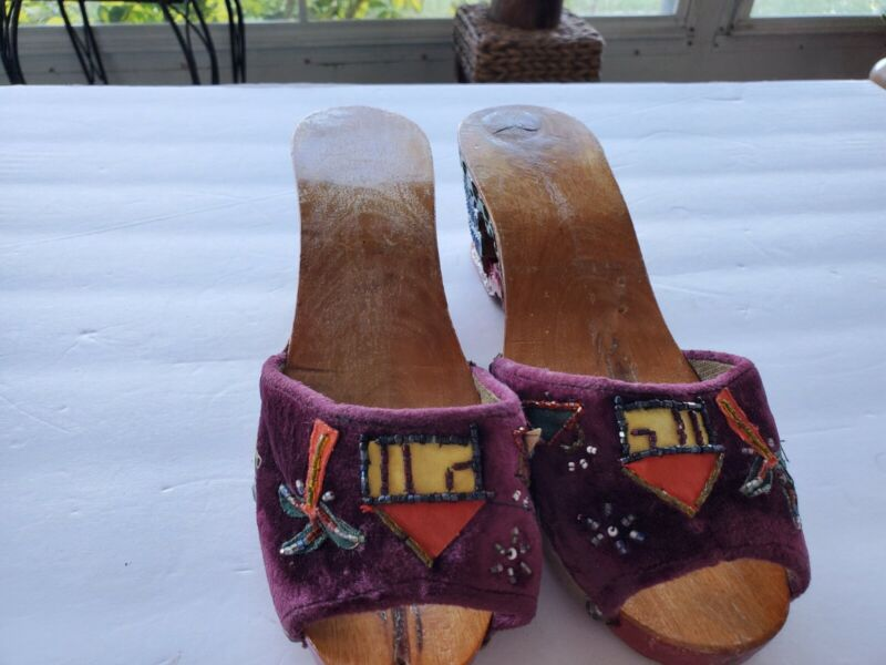 Japanese Vintage Souvenir Sandals Hand Carved Painted Wood Wedge Shoes Pre-owned