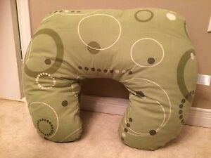 Nursing Pillow - Green - Great Condition!