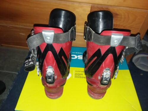 SCARPA T RACE telemark ski boots 4 buckle intuition liner size 27.0 men 9/9.5