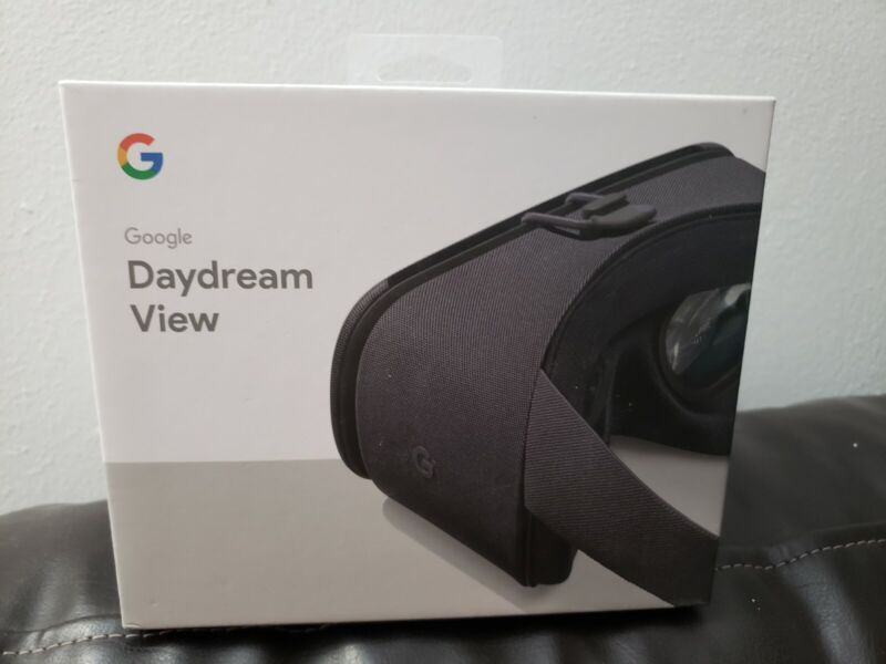 Google Daydream 2nd Generation View VR Headset - Charcoal Gray