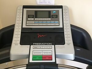 Free motion treadmill