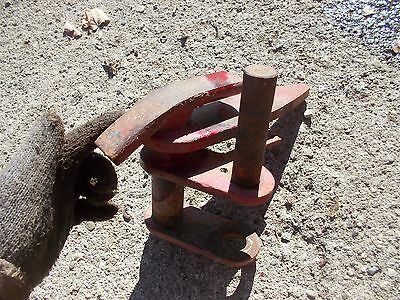 International 460 Utility Tractor Fasthitch Bottom Mount Bracket