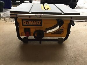 Banc de scie Dewalt job site table saw