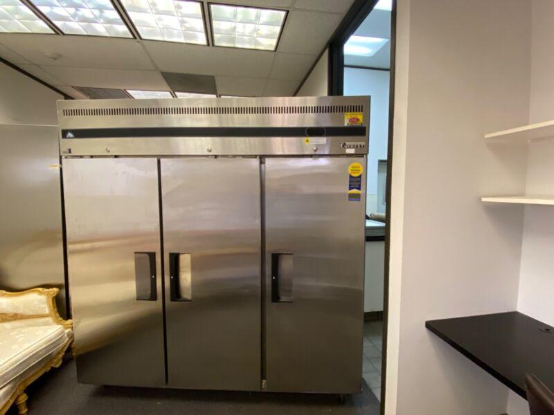 """EVEREST 3- Solid Door Reach-in Refrigerator 75"""""""