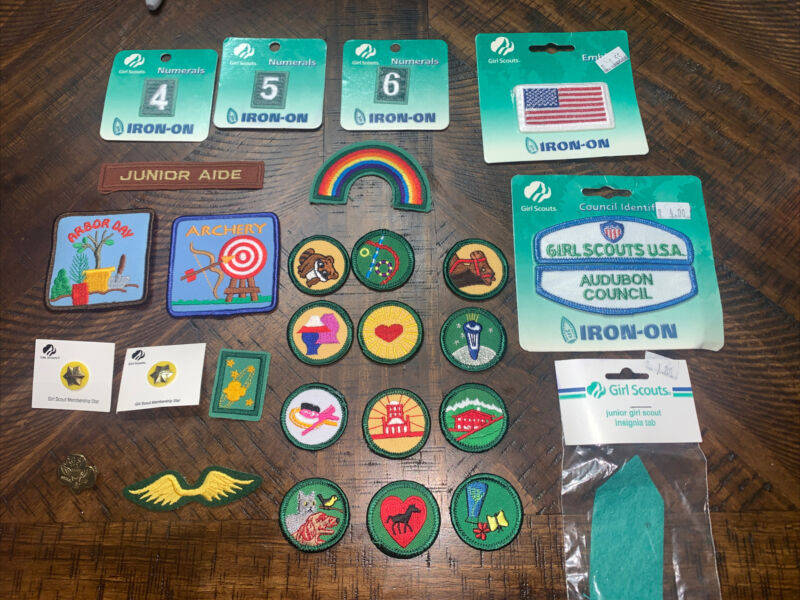 LOT OF 23 GIRL SCOUT PATCHES, 3 PINS & Insignia Tab (A1) 1 Unusual Pin