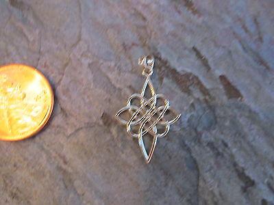 14 KT Yellow Gold Celtic Irish Scottish Trinity Knot Pendant Charm NEW Design ()