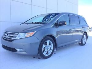 2012 Honda Odyssey Touring 3.5L V6 with Heated Seats & DVD Playe